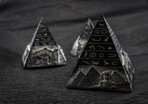 pyramid-1484603_960_720